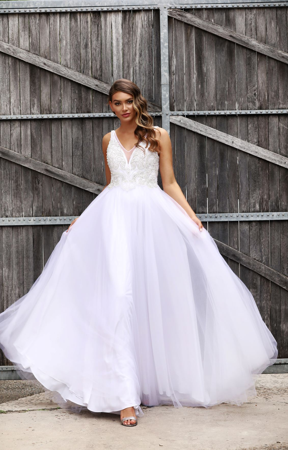 How Early Should I Start Searching For A Wedding Gown?